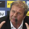 Kto nahradí Kozáka v reprezentácii Slovenska? Vsadiť si môžete aj na Borbélyho, Maradonu a Mourinha
